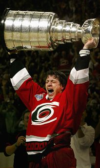 Brind'Amour lyfter Stanley Cup
